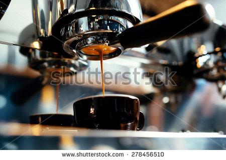 コーヒーの起源はいつなの?発見されたのは?効能は?